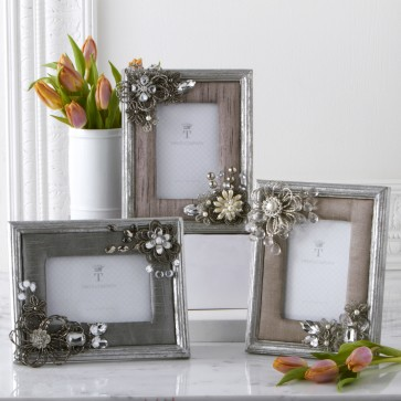Vintage photo frame.  Asst designs