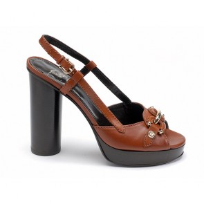 Leather peep toe platform sandals