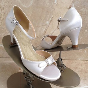 Eternity low white satin heel - non dyeable